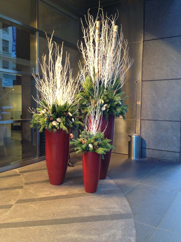 Birch Branch and Evergreens Planters #Christmas #outdoor #planter #decorhomeideas