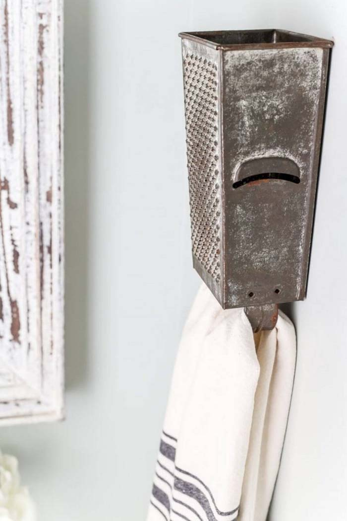 Clever Repurposed Cheese Grater Towel Holder #farmhouse #furniture #decorhomeideas