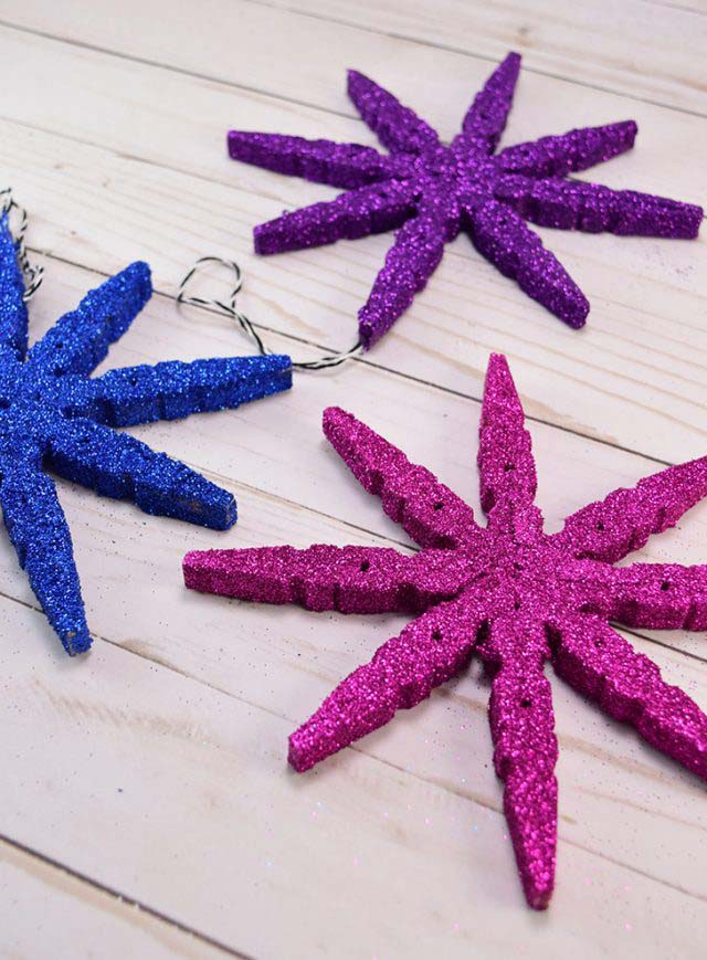 Clothespin Snowflake Ornaments #Christmas #ornaments #kids #diy #decorhomeideas