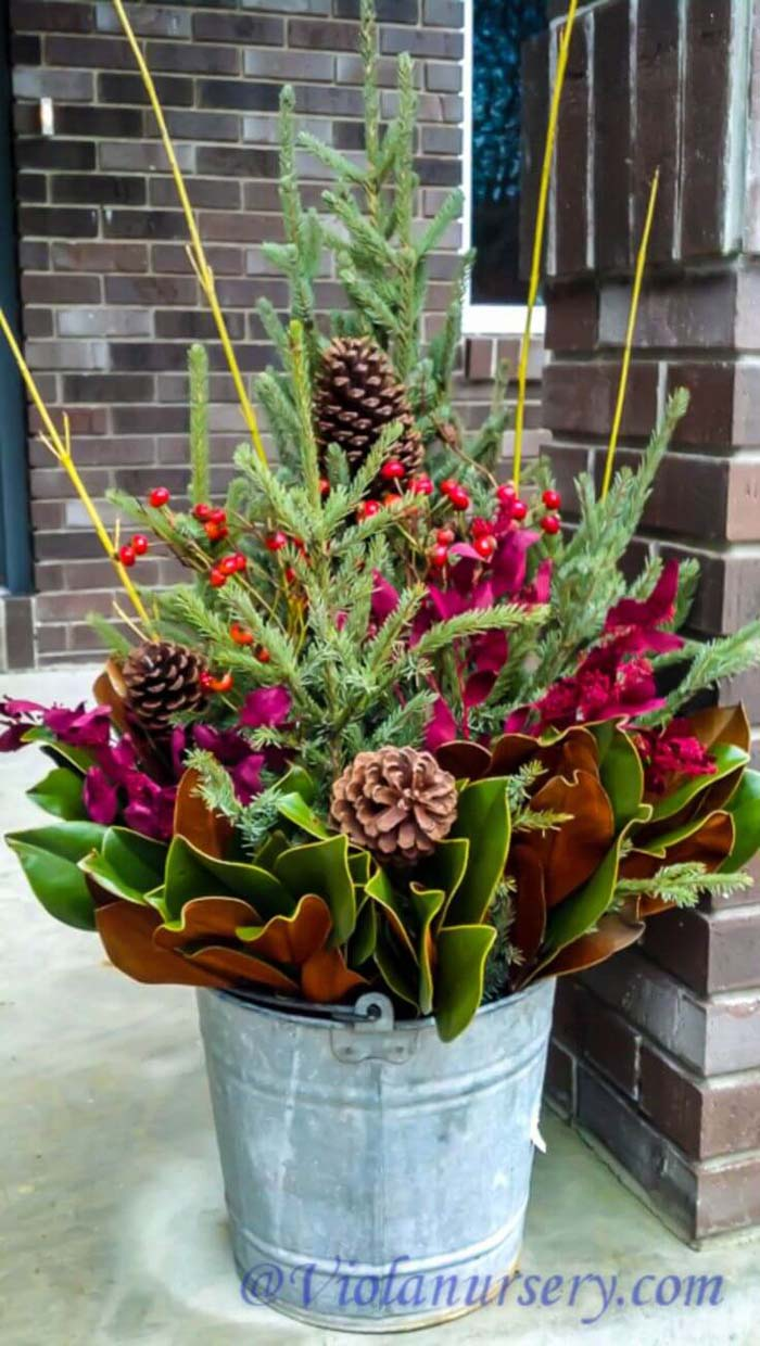 Colorful Winter Porch Planter Project #Christmas #outdoor #planter #decorhomeideas