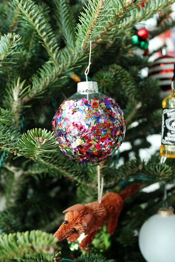 Confetti Ornament #Christmas #ornaments #kids #diy #decorhomeideas