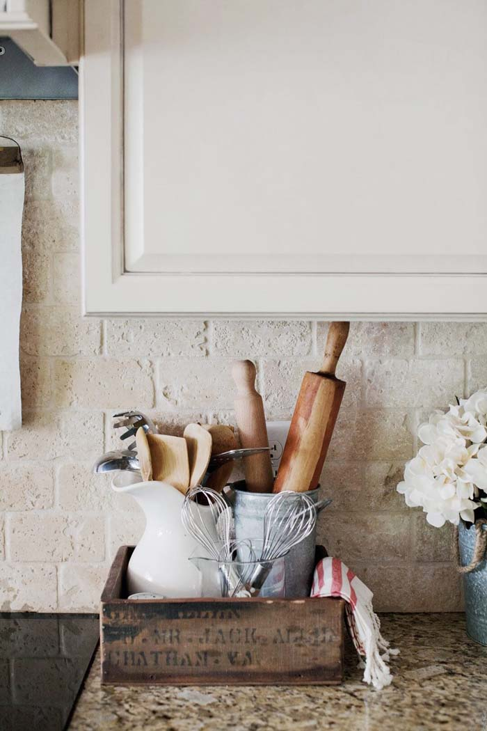 Crate Expectations with Kitchen Primitives #farmhouse #furniture #decorhomeideas