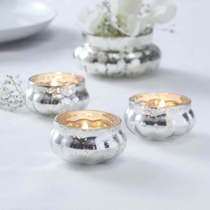 Delicate Tealight Holders for Any Occasion #Christmas #silver #decorations #decorhomeideas