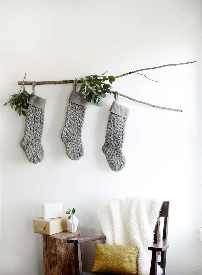 DIY Branch Stocking Display #Christmas #minimalist #decor #decorhomeideas