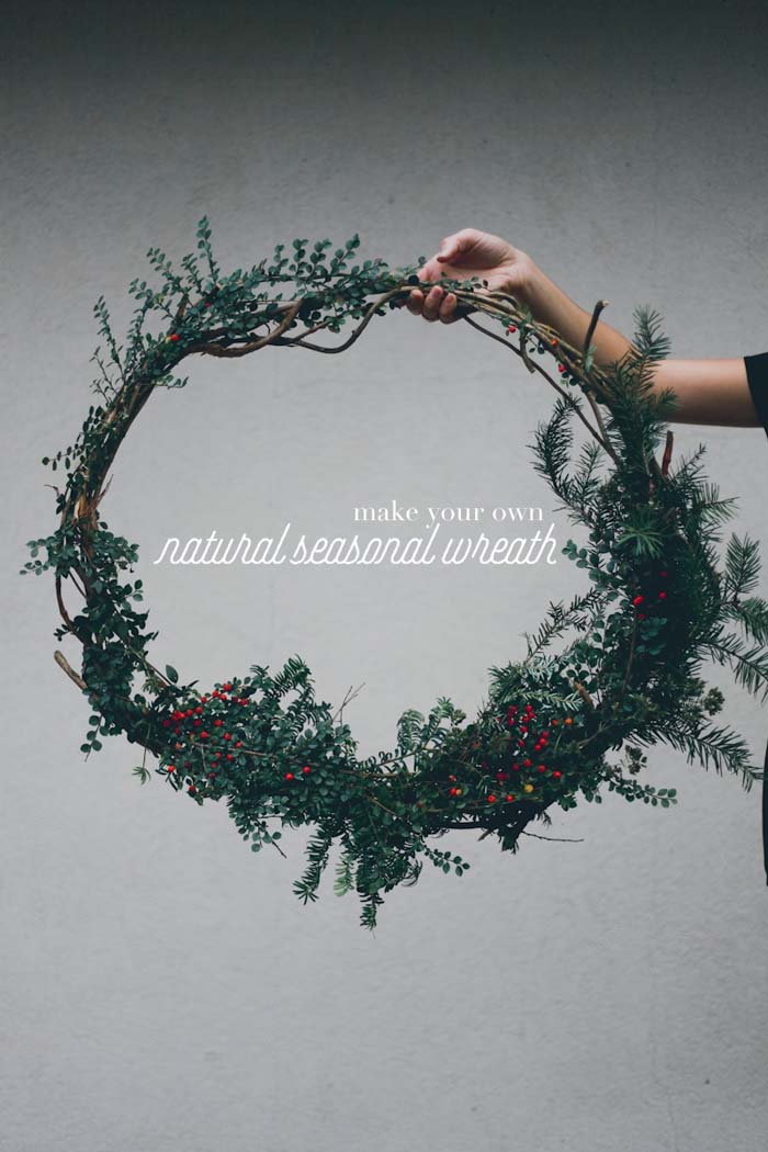 DIY Natural Seasonal Wreath #Christmas #minimalist #decor #decorhomeideas