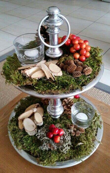Earthy Votive Display With Berries And Pinecones #Christmas #cakestand #decorhomeideas