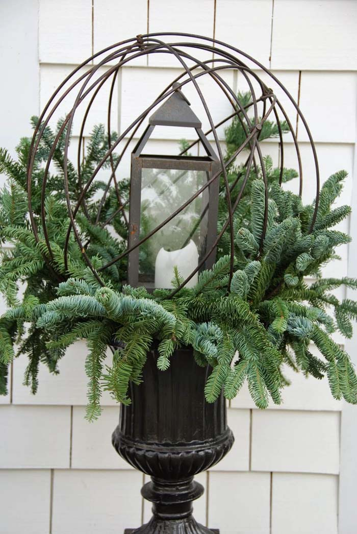 Evergreens and Lantern Globe Planter #Christmas #outdoor #planter #decorhomeideas