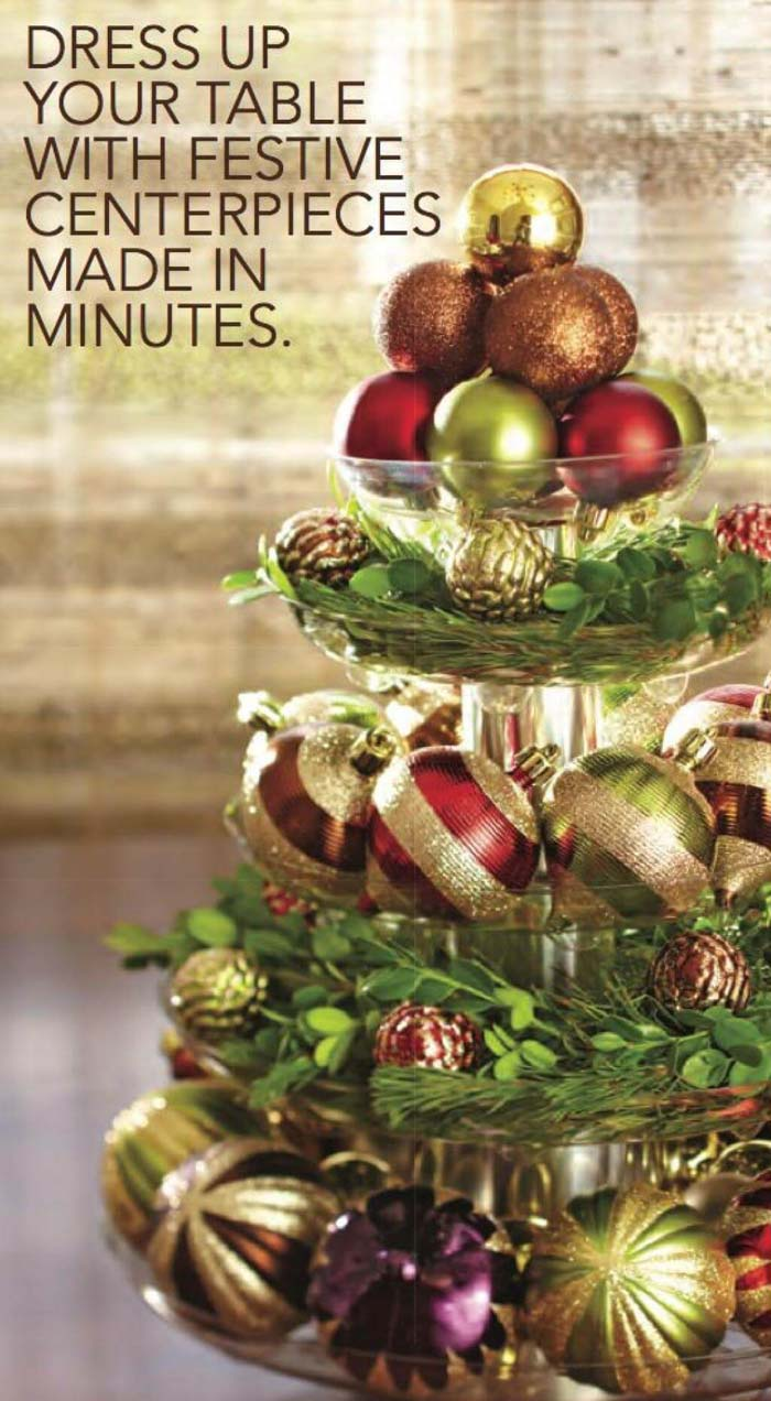 Five-Tier Ornament Centerpiece With Boxwood Greenery #Christmas #cakestand #decorhomeideas