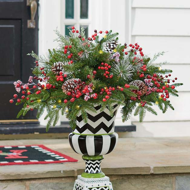 Geometric Black and White Urn with Pine Boughs #Christmas #urns #decorations #decorhomeideas