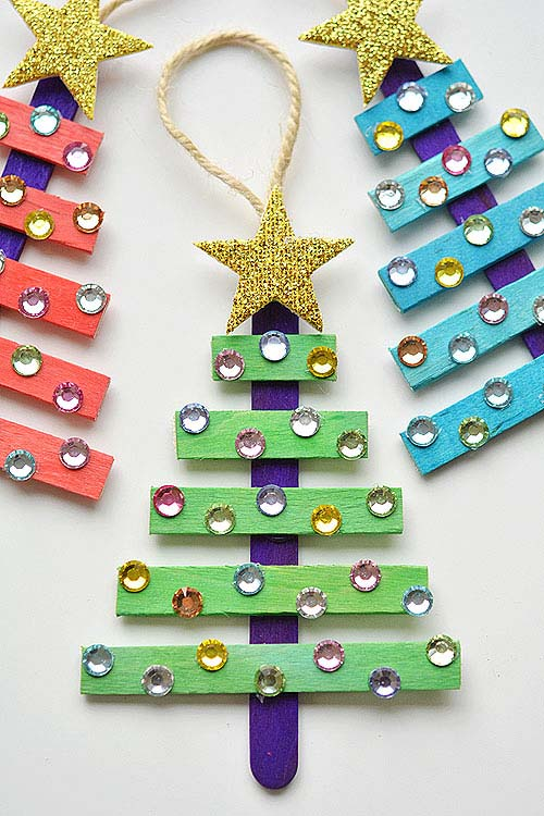 Glittering Popsicle Stick Christmas Trees #Christmas #ornaments #kids #diy #decorhomeideas