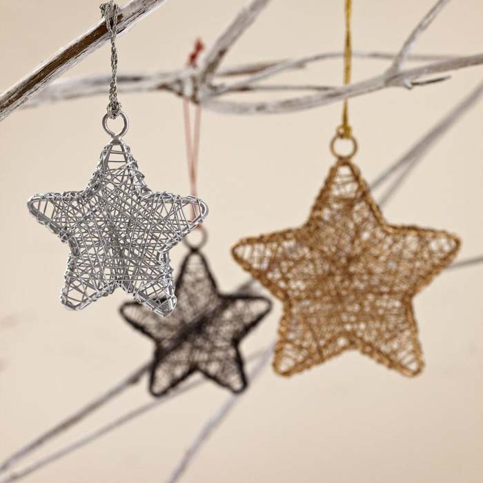 Handcrafted Metallic Wire Star #Christmas #ornaments #rustic #decorhomeideas