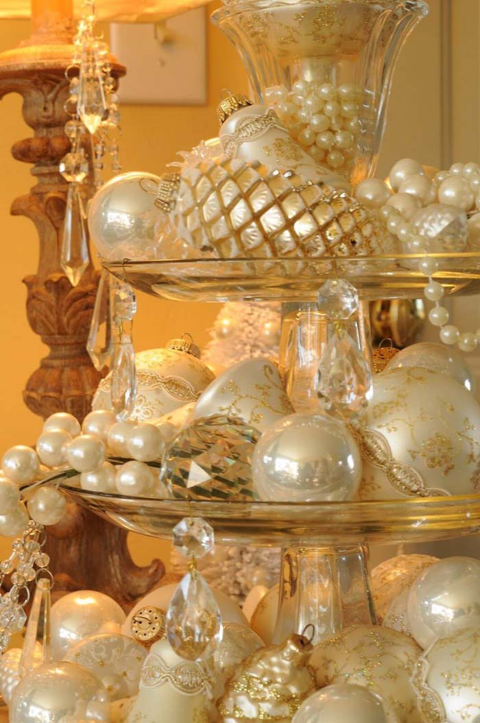 Lavish Crystal Display Featuring Pearl Gold And Ivory Ornaments #Christmas #cakestand #decorhomeideas