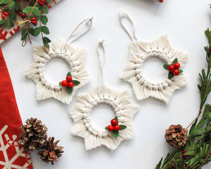Macrame Christmas Ornaments #Christmas #ornaments #rustic #decorhomeideas