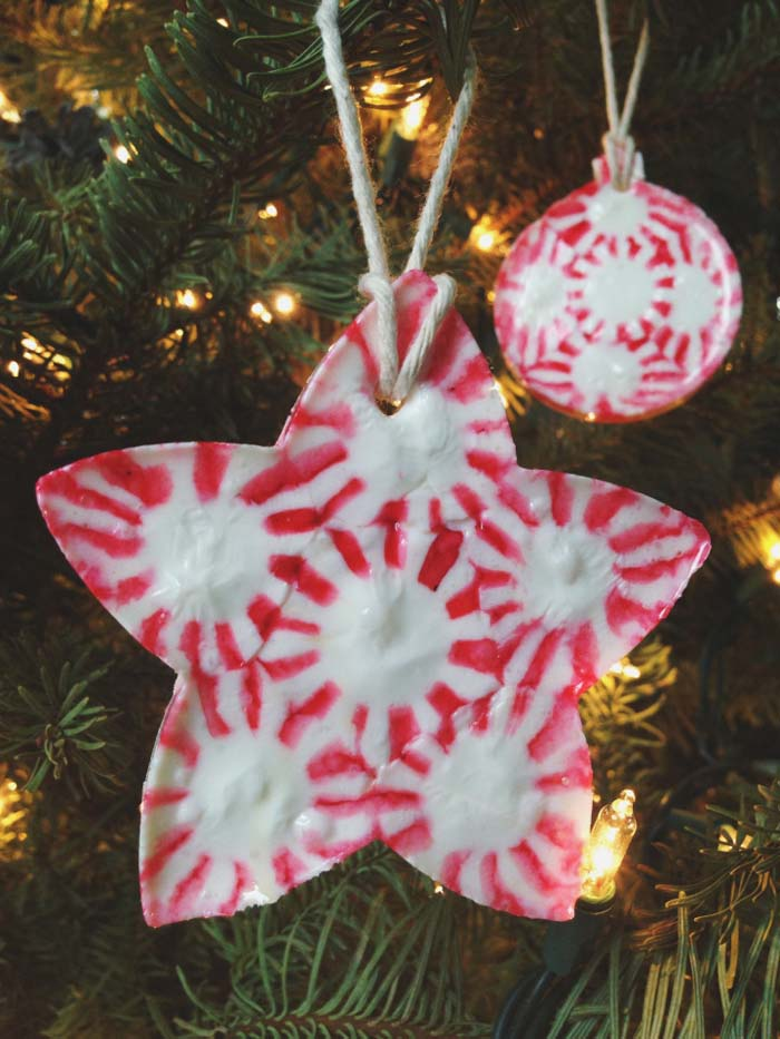 Melted Peppermint Ornament #Christmas #ornaments #kids #diy #decorhomeideas