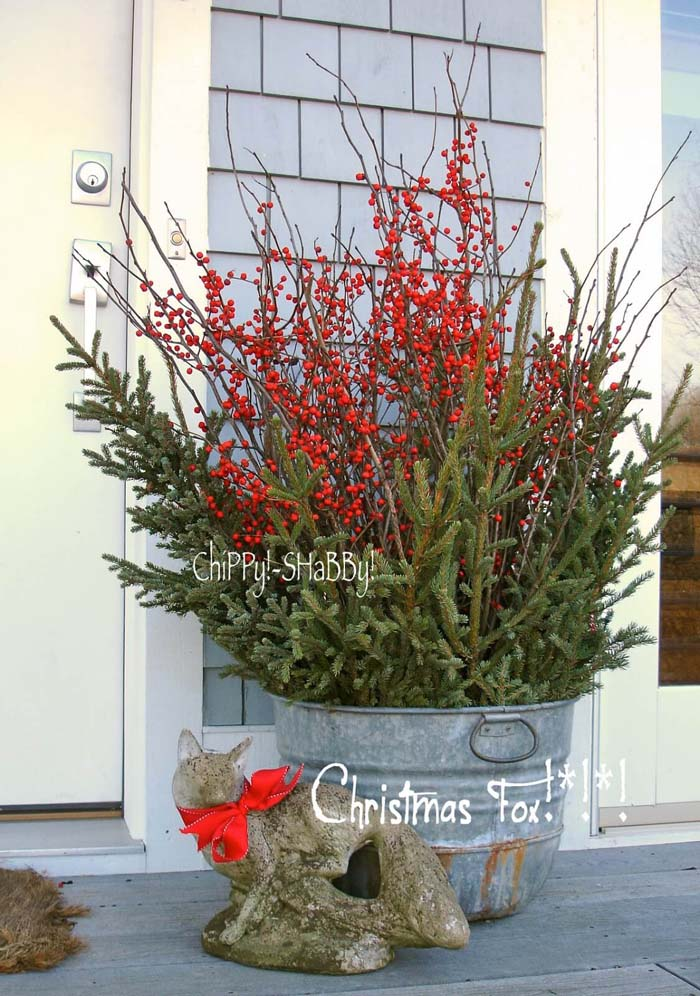 Metal Bucket Christmas Porch Planter #Christmas #outdoor #planter #decorhomeideas