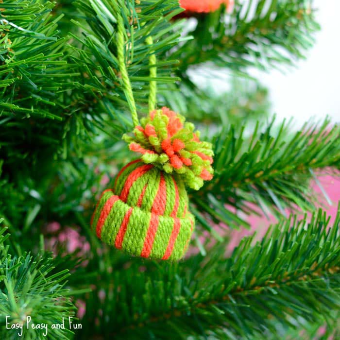 Mini Yarn Hats Ornaments #Christmas #ornaments #kids #diy #decorhomeideas