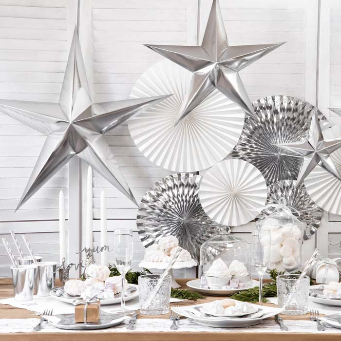 Pointed Silver Star Wall Hanging #Christmas #silver #decorations #decorhomeideas