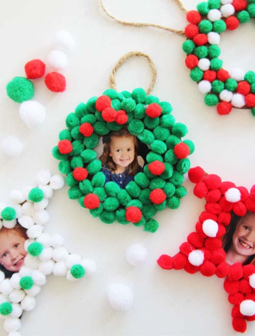 Pom Pom Christmas Photo Ornaments #Christmas #ornaments #kids #diy #decorhomeideas