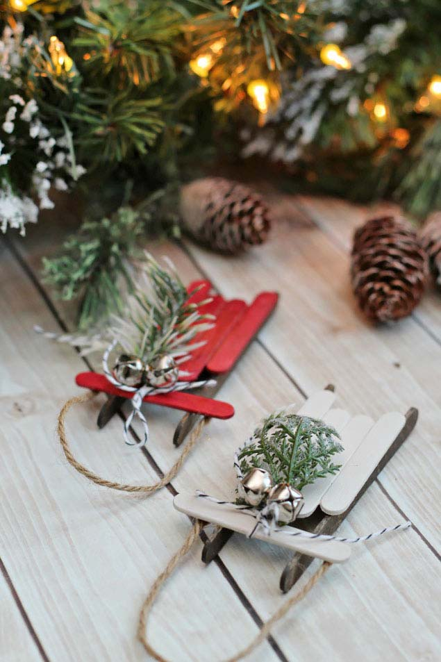 Popsicle Sleds #Christmas #ornaments #dollarstore #decorhomeideas