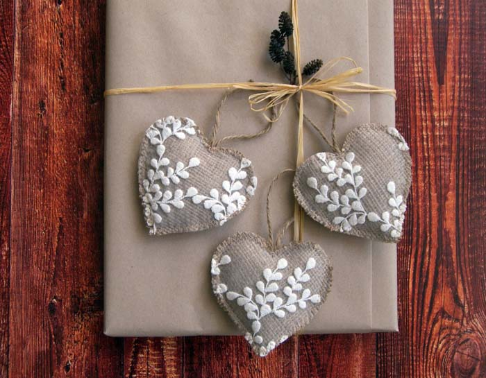 Rustic Heart Ornaments #Christmas #ornaments #rustic #decorhomeideas