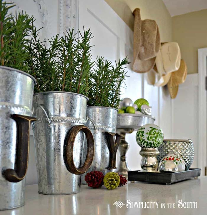 Silver Decor Buckets with Wooden Letters #Christmas #silver #decorations #decorhomeideas