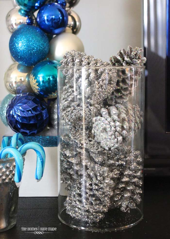 Silver-Dusted Pine Cones in Clear Display Jar #Christmas #silver #decorations #decorhomeideas