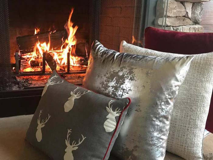 Silver Stag Throw Pillow Set #Christmas #silver #decorations #decorhomeideas