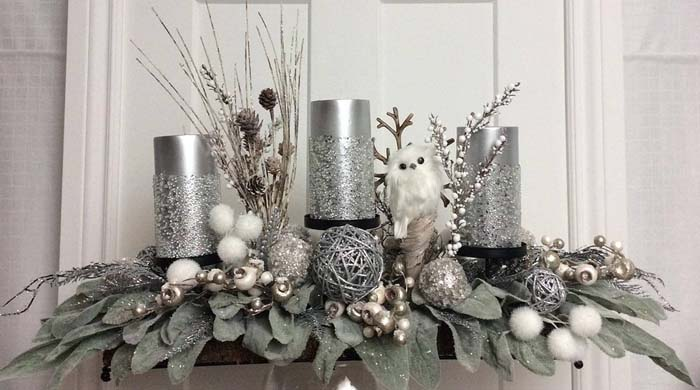 Silver Woodland Candles on Poinsettia Leaves #Christmas #silver #decorations #decorhomeideas