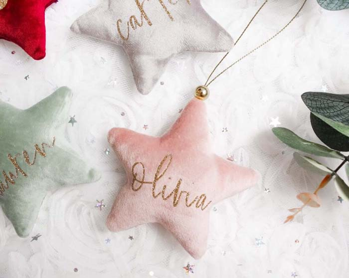 Stuffed Felt Hanging Name Bauble #Christmas #personalizedbaubles #baubles #decorhomeideas