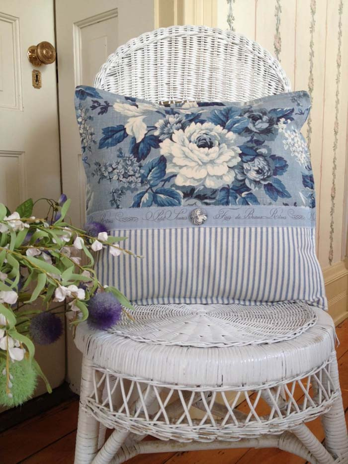 White Wicker Chair with Blue Toile Pillow #frenchcountry #decor #decorhomeideas