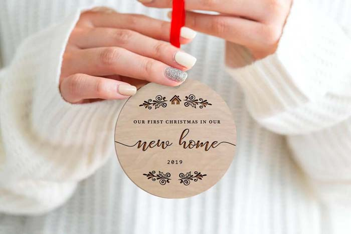 Wooden Round New Home Engraved Bauble #Christmas #personalizedbaubles #baubles #decorhomeideas