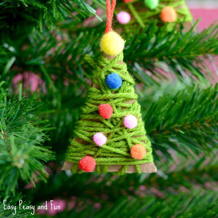 Yarn Wrapped Christmas Tree Ornaments #Christmas #ornaments #kids #diy #decorhomeideas