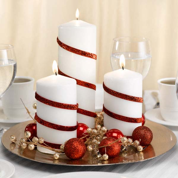 $10 Candy Cane Stripped Candle Centerpiece #Christmas #cheap #elegant #decorhomeideas