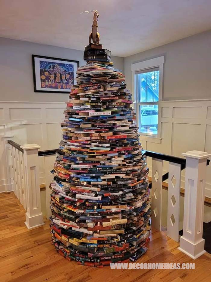 Book Nerds Christmas Tree