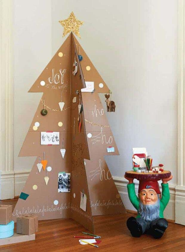 Cardboard #Christmas #Christmastree #nontraditional #decorhomeideas