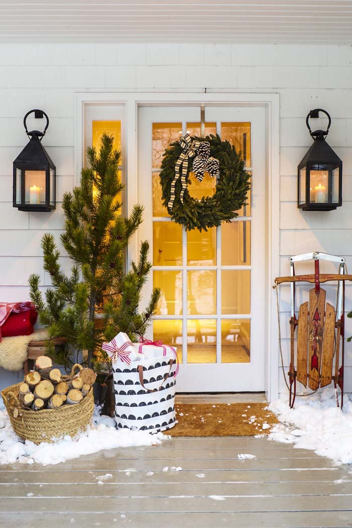 Christmas-ify the Front Porch #Christmas #style #decorhomeideas
