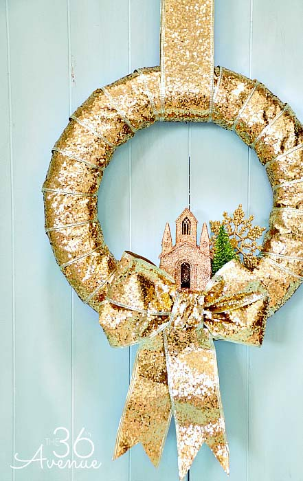 Christmas Ribbon Wreath #Christmas #cheap #elegant #decorhomeideas