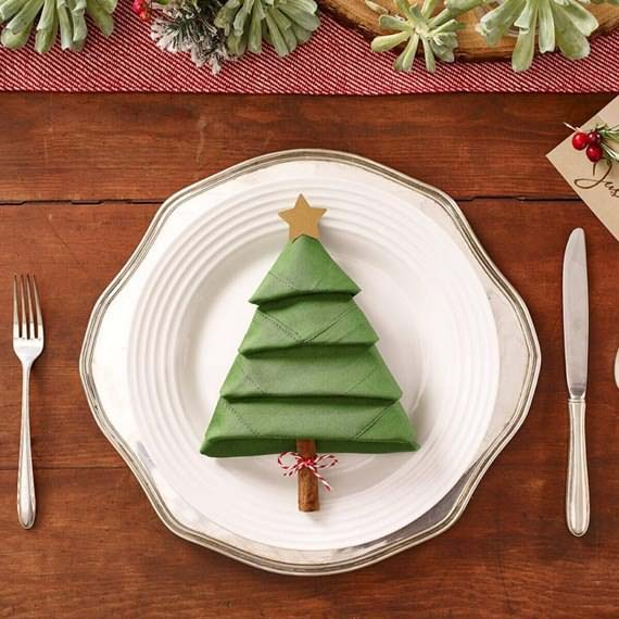 Christmas Tree Folded Napkin #Christmas #cheap #elegant #decorhomeideas