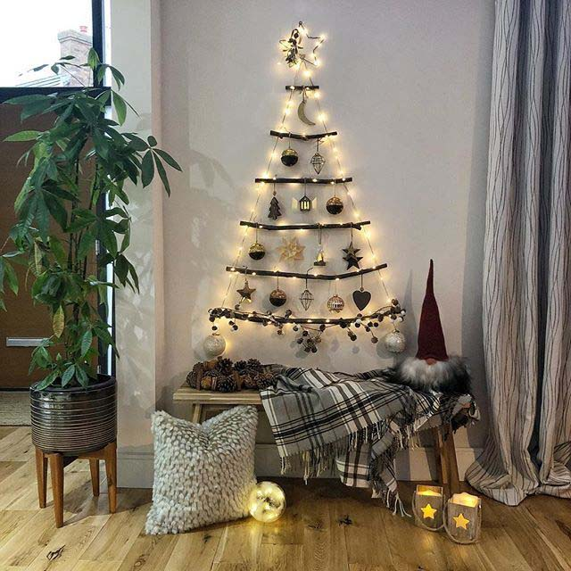 Deconstructed Christmas Tree #Christmas #Christmastree #nontraditional #decorhomeideas
