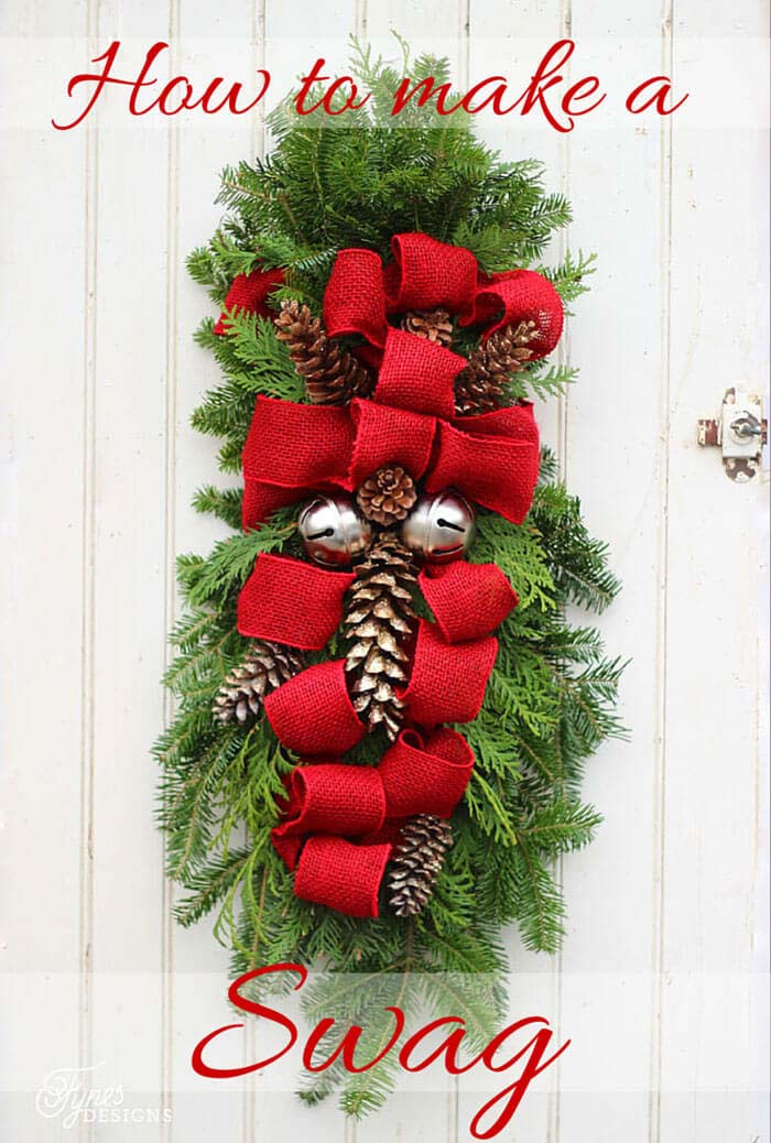 Decorate Your Entrance with a DIY Swag #Christmas #crafts #decorations #decorhomeideas