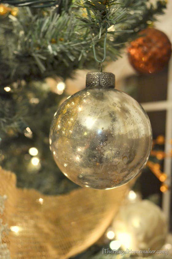 DIY Mercury Glass Ornaments #Christmas #cheap #elegant #decorhomeideas