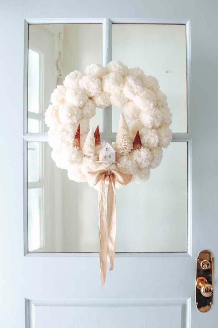 DIY Winter Pom Pom Wreath #Christmas #cheap #elegant #decorhomeideas