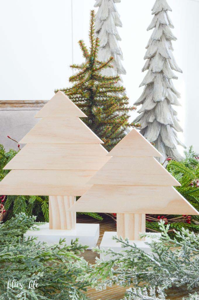 DIY Wooden Christmas Trees #Christmas #Christmastree #pallet #decorhomeideas