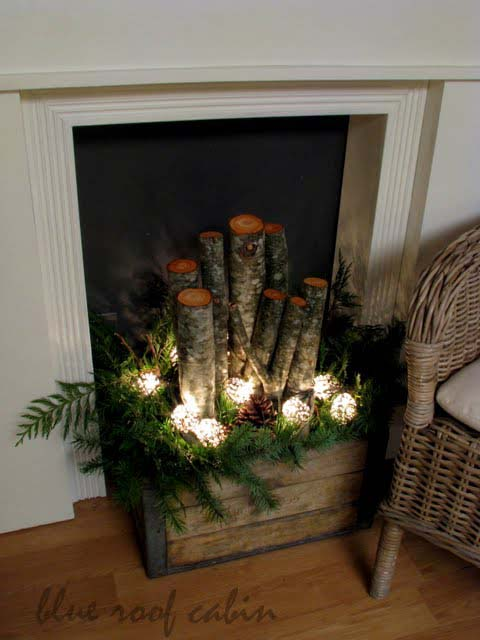 Evergreen Mantle and Fireplace #Christmas #indoordecorations #decorhomeideas