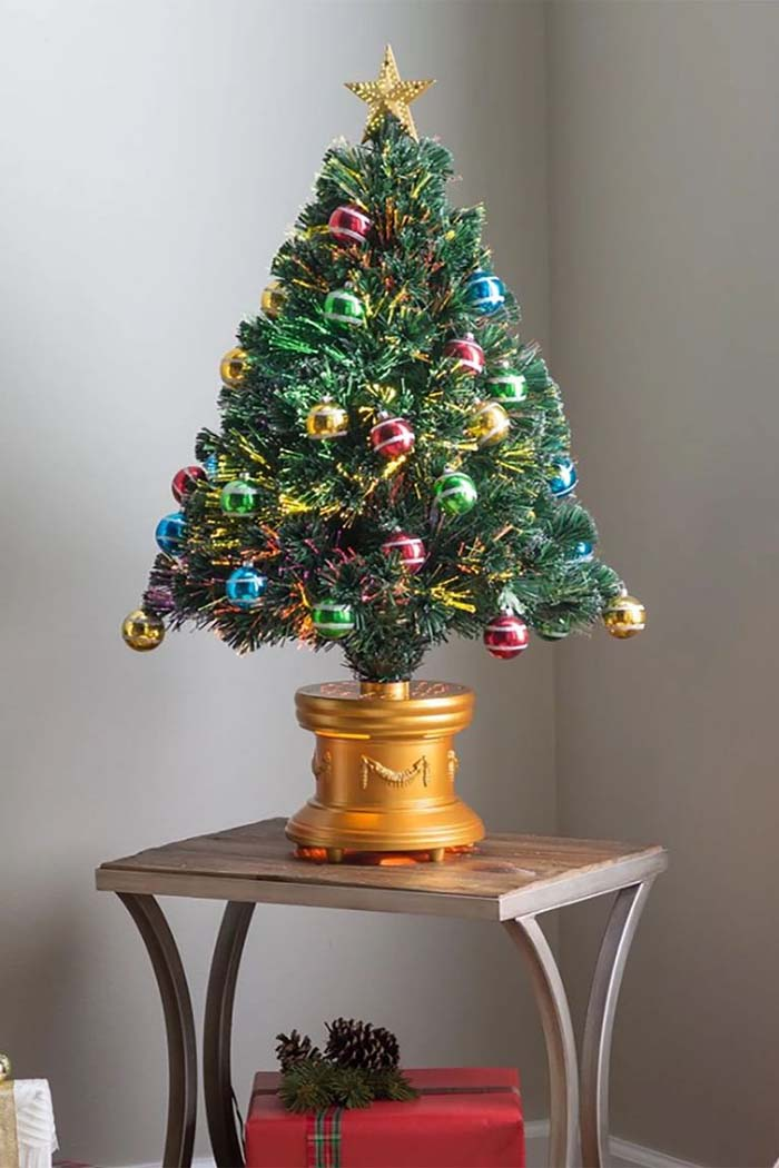 Fiber Optic Artificial Fireworks Tree With Ball Ornaments #Christmas #Christmastree #artificialtree #decorhomeideas