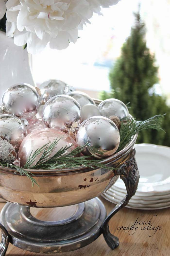Give Ornaments a Different Use #Christmas #style #decorhomeideas