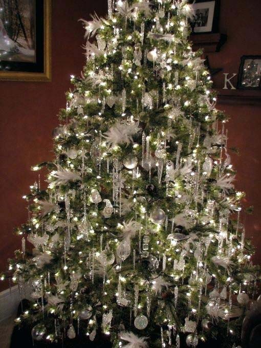 Icicle Christmas Tree #Christmas #cheap #elegant #decorhomeideas