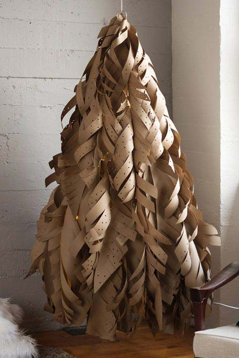 Kraft Paper Christmas Tree #Christmas #Christmastree #nontraditional #decorhomeideas