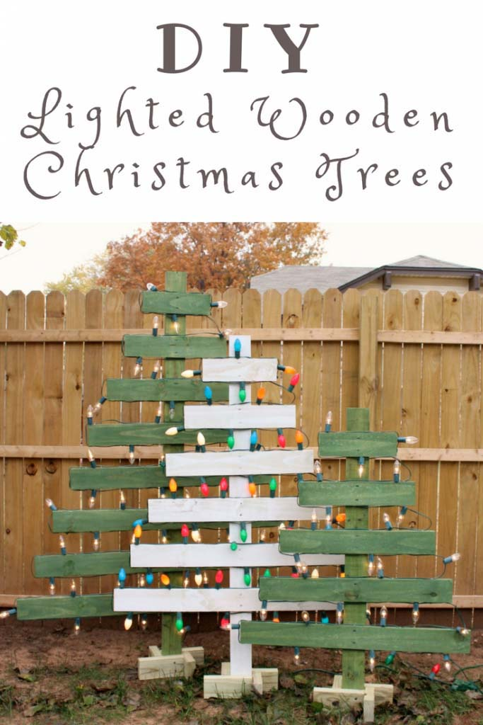 Lighted Pallet Christmas Trees #Christmas #Christmastree #pallet #decorhomeideas