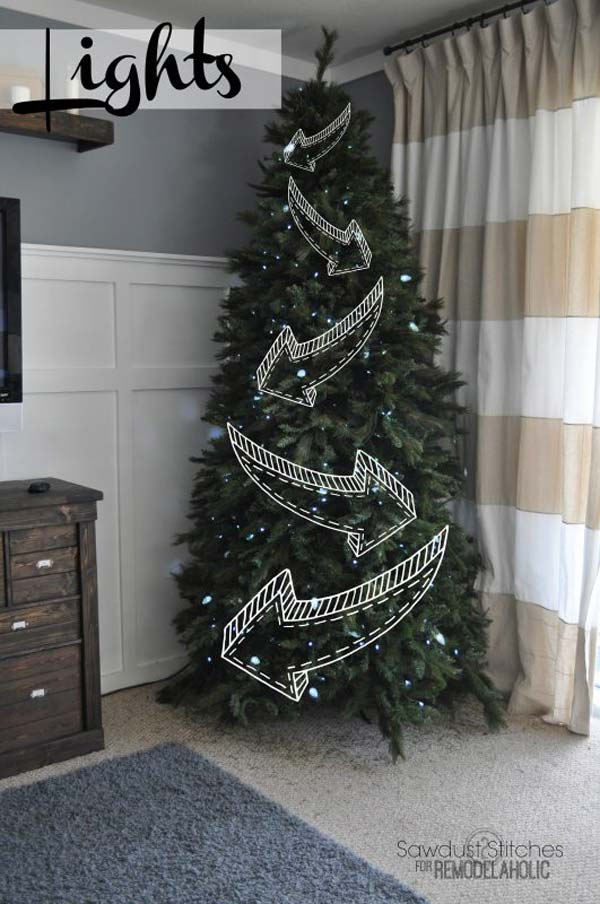 Lights Only At The Front Of Your Tree #Christmas #hanginghacks #decorhomeideas